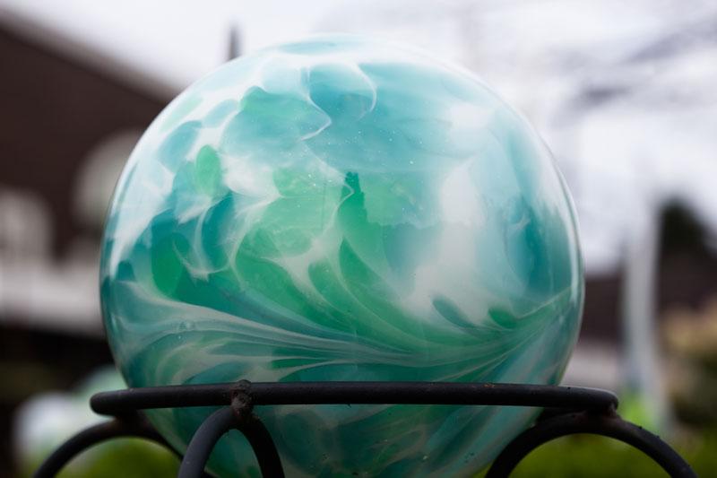 Baumschulen-Busch-Glaskugeln-Grün