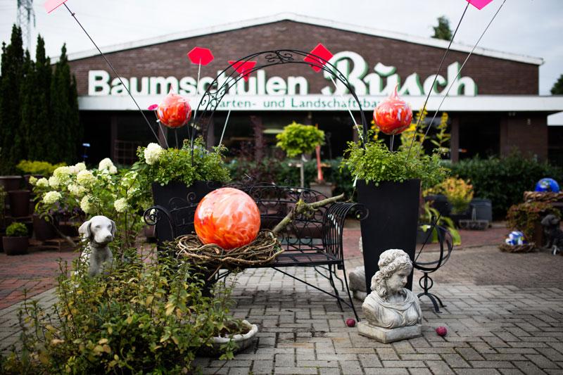 Baumschulen-Busch-Glaskugeln-Orange-Rot